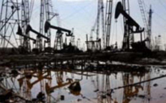 к снижению добычи нефти и